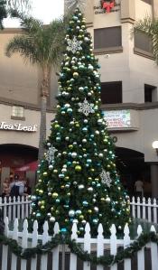 HB Christmas tree