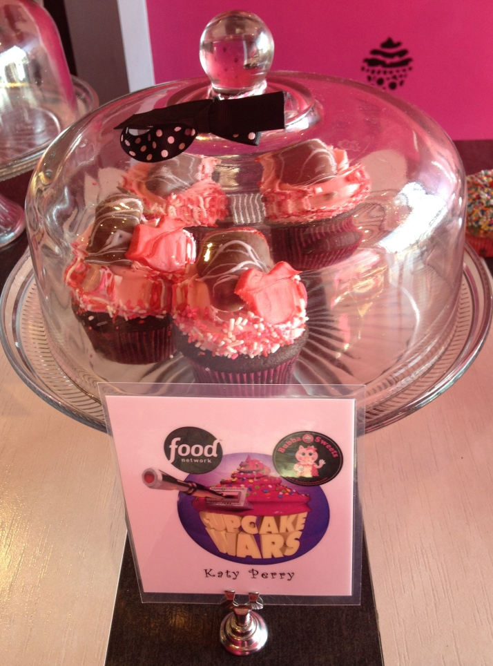 Katy Perry Cupcake | Girl on the Move Blog