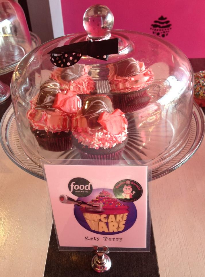 Katy Perry Cupcake | Girl on the Move Blog